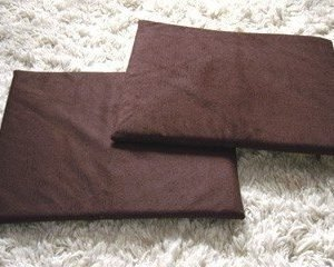 KatKabin brown cushions
